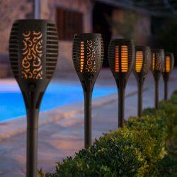 Lángokat imitáló szolár LED lámpa - fekete - műanyag 11262
